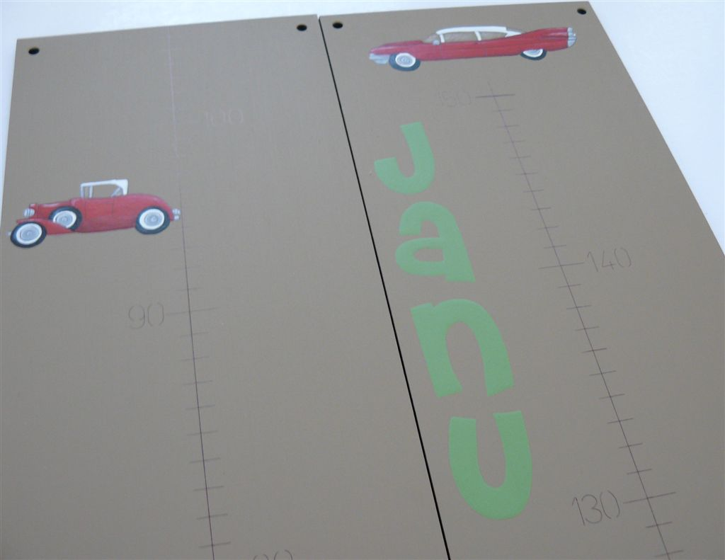 Brown base Growth Chart with vintage cars